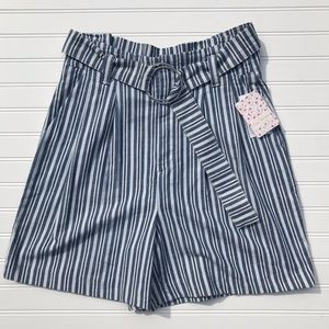 Free People Utility shorts NWT